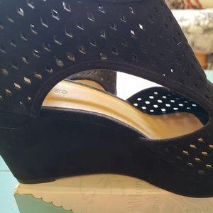 Laina wedge shoe.maurices